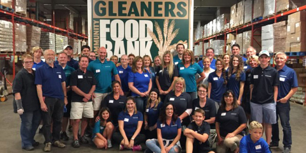 Detroit associates giving back at Gleaners Food Bank